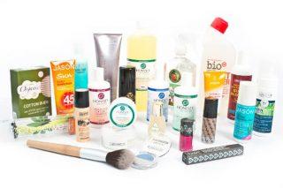 Yoğun kimyasal içerikli ürünler saç dökülmesini tetikleyebilir.